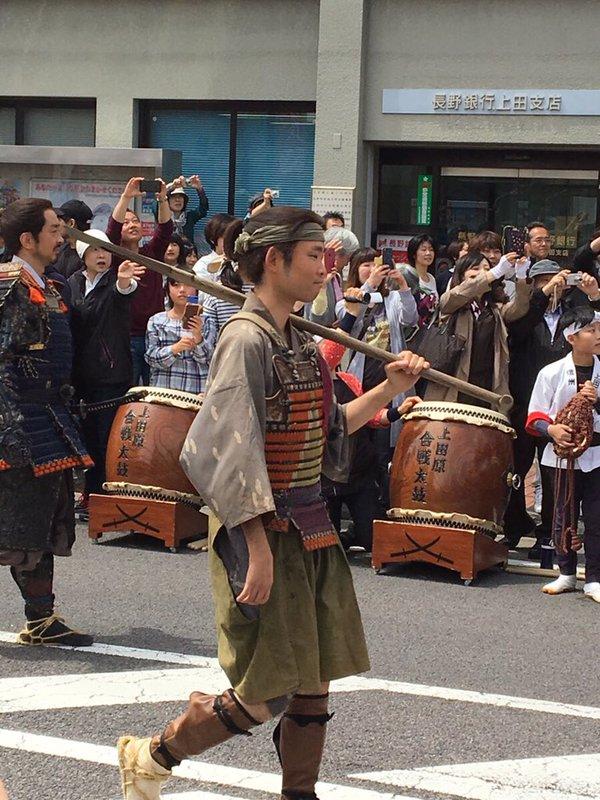 上田城の合戦前に杭を図面とおりに打たずに怒られていた与八