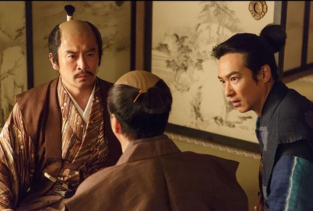 徳川家康に事前にあって明日の段取りをお願いする秀吉、この場を信繁が設定した